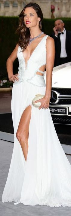 ★ Soulful White ★ Billionaire Boyfriend- Alessandra Ambrosio,roberto cavalli- Via ~LadyLuxury~ Alessandra Ambrosio, Beautiful Gowns, Beautiful Outfits, Elie Saab, Glamour, Trends, White Fashion, Fashion Stylist, Elegant Dresses