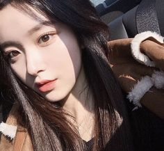 girl, asian, and ulzzang image Pretty Korean Girls, Cute Korean Girl, Pretty Asian, Asian Girl, Mode Ulzzang, Ulzzang Korean Girl, Ulzzang Couple, Ulzzang Girl Selca, Ulzzang Fashion