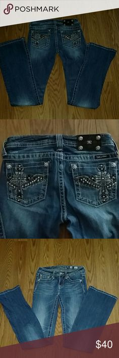Miss Me Sz. 16 Jeans JK 6127B NWOT Cross design Miss Me Sz. 16 Jeans JK 6127B NWOT Cross design on back pockets. 98% cotton  2% Elastane. Inseam in  32 inches waist is 28 inches Miss Me Bottoms Jeans