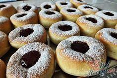 Koblihy pečené v troubě | NejRecept.cz Apple Desserts, Sweet Desserts, Sweet Recipes, Dessert Recipes, Low Carb Brasil, Baked Camembert, Cakes Plus, Baked Doughnuts, Low Carb Bread