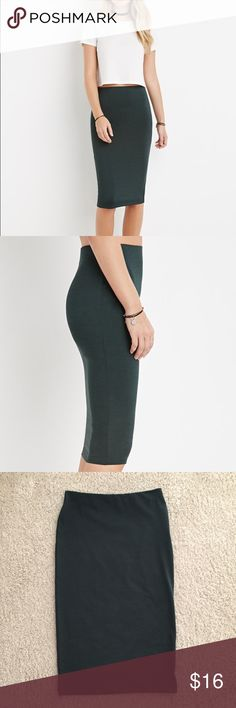 MIDI bodycon skirt Worn only once, dark hunter green skirt! Very cute for a night out or the club! Very firm fitting! Any questions just ask! Bundle to save ☺️ Forever 21 Skirts