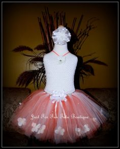 Thanks you for Visiting Just For Fun Tutu Boutique!    This flower tutu dress is hand made designed for a little girl between 4 and 5 years old,