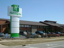 Welcome to Holiday Inn /  Splash Universe in Dundee, MI