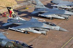 J-002 F-16AM KLU, 323 Squadron, Leeuwarden AFB.