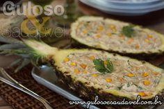 #BomDia! Aqui temos uma receitinha nota 10 para o #almoço neste fds, ou no dia a dia, é o Peito de Frango Cremoso no Abacaxi!  #Receita aqui: http://www.gulosoesaudavel.com.br/2016/05/06/peito-frango-cremoso-abacaxi/