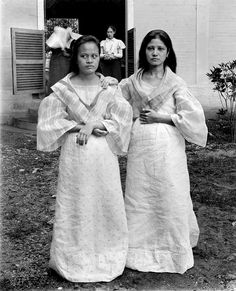 Filipina girls at a convent. Paco, Manila Philippines.Late 19th or early 20th century.