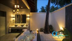 Wonderful Nature Bathtub Design with the Natural Scenery : Inspiring Outdoor Bathroom With Cool Lighting And Unique Chandelier And Attractiv. Outdoor Bathtub, Outdoor Bathrooms, Sand Floor, Tropical Bathroom, Budget Bathroom, Bathroom Ideas, Zen Bathroom, Bathroom Designs, Bathroom Interior