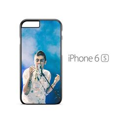 OML. I JUST BOUGHT A PHONE CASE THIS COULDNT OF POPED UP BEFORE RHST.