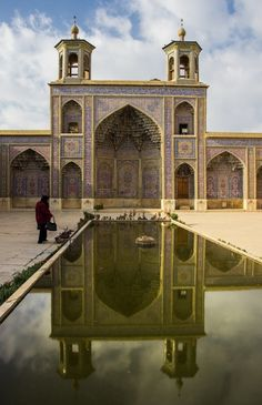 Places to visit in Iran - 10 CITIES in 17 Days trough Photos