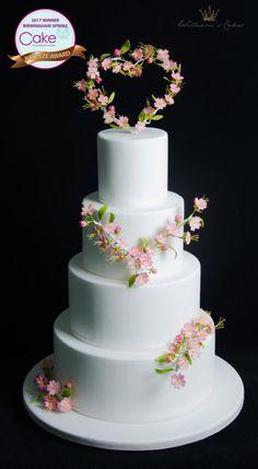 wedding blossom heart by manoha - http://cakesdecor.com/cakes/275177-wedding-blossom-heart