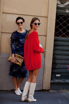 Giorgia and Giulia Tordini at Fendi show in Milan. Pic by Scott Schuman. http://www.thesartorialist.com/photos/on-the-sister-sisters-milan/