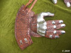 Gauntlets based on examples from Wisby. Designed to be worn over light gloves…