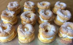 Sweet Cakes, Doughnuts, No Bake Cake, Bagel, Nom Nom, Food And Drink, Bread, Baking, Brioche