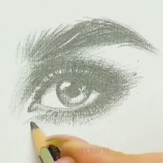 eye drawing step by step ; eye drawing tutorials step by step Pencil Art Drawings, Realistic Drawings, Art Drawings Sketches, Easy Drawings, Realistic Eye, Sketch Art, Art Du Croquis, Painting & Drawing, Drawing Tips
