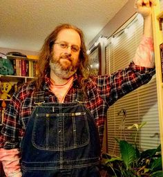 I'm still not sure if the plaid flannel thing works for me but I do kinda like this hippie lumberjack thing I've got goin' on here. #ootd #overalls #vintage #Lee #bluedenim #dungarees #biboveralls #flannel #plaid