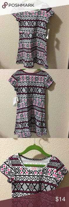 NWT Girls Fit & Flare Dress Scoop neck, cap sleeves, fit & flare in a black , white & fuchsia Aztec print  Size S  6/6X Faded Glory Dresses