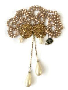 Rare Vintage Richelieu Double Lion Pearl Dangle Belt Necklace