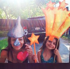 Homemade Photo Booth Fun at a Wizard of Oz party