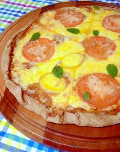 Sábado é o dia da pizza, não adianta. Por mais… Food N, Good Food, Food And Drink, Yummy Food, Pizza Recipes, Vegetarian Recipes, Healthy Recipes, Quiches, Greens Recipe