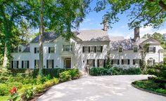 15 Richbell Rd , Scarsdale, NY 10583 is currently not for sale. The sq. single-family home is a 7 bed, bath property. This home was built in 1917 and last sold on for. View more property details, sales history and Zestimate data on Zillow. Colonial Mansion, Old Houses For Sale, Curved Staircase, Second Empire, Real Estate Search, Spacious Living Room, Property For Sale, Beautiful Homes, Building A House
