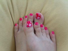 Google Image Result for http://funproducer.com/wp-content/uploads/2012/06/unique-toe-nail-designs-2012-for-girls-6.jpg