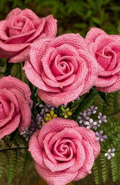 Crochet Rose Pattern with picture tutorial and diagrams. Plus, bonus patterns for varying stages of blooming crochet rose patterns. Free Crochet Rose Pattern, Crochet Puff Flower, Crochet Flower Patterns, Crochet Motif, Diy Crochet, Crochet Crafts, Crochet Flowers, Crochet Projects, Rose Patterns