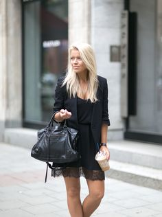 ALL BLACK EVERYTHING - MyCosmo - Blog