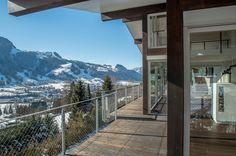 The View bietet auch im Winter auf dem eigenen Balkon oder der Terrasse einen wunderschönen Blick auf die Tiroler Bergwelt