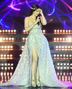 sets our pulses racing again in a leaf vine princess gown featuring… Beautiful Prom Dresses, Pretty Dresses, Event Dresses, Formal Dresses, Dress Outfits, Fashion Dresses, Haifa Wehbe, Races Fashion, Fashion Art