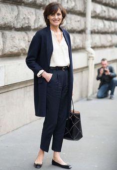 """Ines de la Fressange - come vestire bene sopra gli """"anta"""" Style Outfits, Mode Outfits, Casual Outfits, Fashion Outfits, Womens Fashion, Fashion Boots, Fashion Sandals, Punk Fashion, Lolita Fashion"""