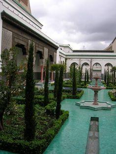 Great Places, Beautiful Places, Landscape Design, Garden Design, Roman Garden, Persian Garden, Pond Fountains, Village House Design, Paradise Garden