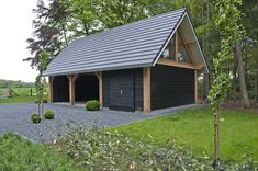 Garage Guest House, Garage Shop, Carport Garage, Garage Addition, Pavilion Design, Home Porch, Driveway Landscaping, Refuge, House Paint Exterior