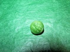"(1) 1/2"" CZECH DECORATIVE GREEN GLASS SHANK BUTTON VINTAGE LOT (S247)"
