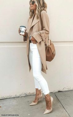 More than 65 trendy summer outfits that can now be worn. - - More than 65 trendy summer outfits that can now be worn. # carried # now # summer outfits Trendy Summer Outfits, Classy Outfits, Fall Outfits, White Jeans Outfit Summer, Outfit With White Pants, Best Outfits, Summer Outfits Women Over 30, Sporty Chic Outfits, How To Wear White Jeans