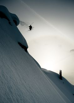 garrettgrove: Chris Rubens flys through a murky Selkirk sunset.