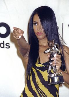 Aaliyah Diane Haughton 2000 MTV Video Music Awards