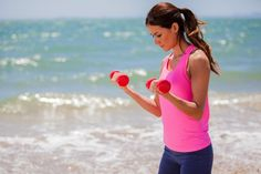 Get GORGEOUS ARMS by learning the most effective form for bicep curls. #armworkouts #fitness