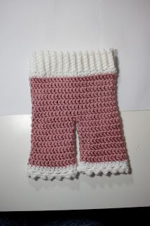 newborn crochet baby pants tutorial - Charmed By Ashley