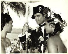 Marlon Brando with Tahitian fans