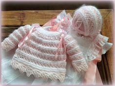 No me gusta repetir los conjuntos que ya tengo hechos pero, de vez en cuando, hago una excepción. Son pocas las que llevo hasta el moment... Knitting For Kids, Crochet For Kids, Baby Knitting Patterns, Crochet Patterns, Crochet Lovey, Knit Crochet, Baby Socks, Baby Hats, Knitted Baby Clothes