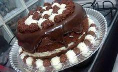 O Naked Cake Prestígio é fácil de fazer, delicioso e vai deixar todos os seus convidados de boca aberta. Faça e comprove! Veja Também:Naked Cake de Ninho