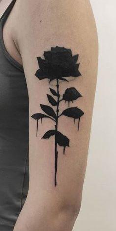 Dainty Tattoos, Cute Tattoos, Body Art Tattoos, Hand Tattoos, Tatoos, Rose Drawing Tattoo, Rose Tattoo On Arm, Dark Roses Tattoo, Dark Tattoo