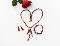 https://www.etsy.com/listing/221304414/garnet-earrings-garnet-chips-earrings?ref=related-7
