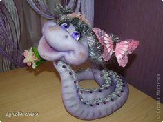 Шьем забавную змейку из колготок. МК по скульптурному текстилю.. Комментарии : LiveInternet - Российский Сервис Онлайн-Дневников