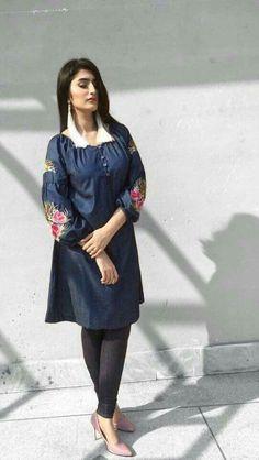 bd369865f  dailystylish  highfashion  bridal  fashion  palazzo  salwarsuit   embroidery  pants  velvet  kurta  bride  velvet  salwarsuit  salwarkameez   lehnga  sare ...