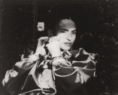 Porträt Frida Kahlo, 1952 (© Prestel Verlag)