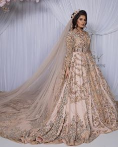 Caftan mariage Morrocan Wedding Dress, Asian Wedding Dress Pakistani, Morrocan Dress, Moroccan Bride, Arabic Wedding Dresses, Indian Bridal Wear, Indian Wedding Outfits, Walima Dress, Engagement Dresses
