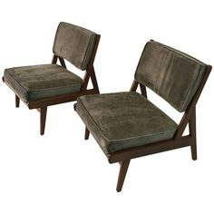 Vintage Jens Risom Pair of Walnut Lounge Chairs 'Labelled'   From a unique collection of antique and modern lounge chairs at https://www.1stdibs.com/furniture/seating/lounge-chairs/