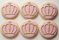 Royal Crown Cookies in Pink Set of 6 by SweetAmbs on Etsy Crown Cookies, Fancy Cookies, Iced Cookies, Cupcake Cookies, Sugar Cookies, Edible Cookies, Torta Princess, Princess Cookies, Oreos