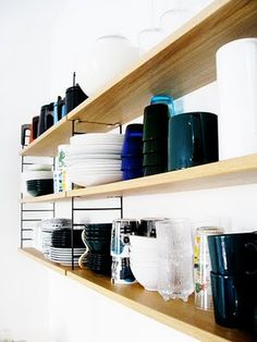 String shelf kitchen. Photo by Suki from Varpunen
